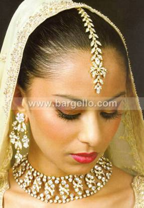 Traditional Zircons Set having Setting Work Pakistani Wedding Jewellery