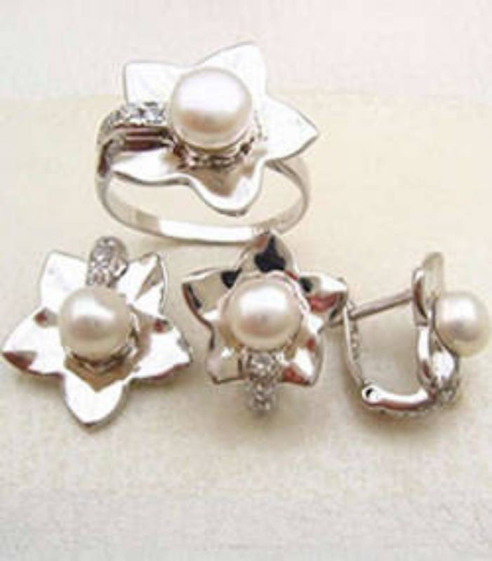 Jewellery in Wembley, Middlesex, London Jewellers